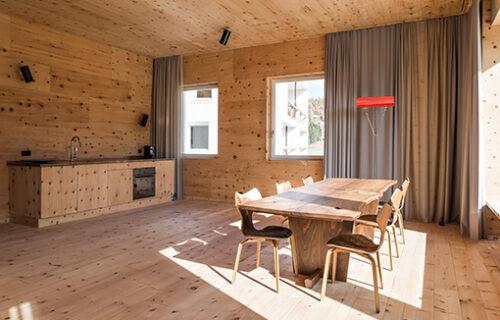 Raum aus Holz durch Invias gebaut.