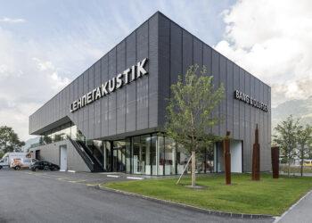 Das Gewerbehaus von Lehner Akustik in Maienfeld. Das Gebäude wurde durch Invias gebaut.