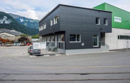 A&M Recycling Center in Untervaz: Neubau Bürogebäude, Erweiterung Kartonhalle, Verlegung Kartonpresse, Konzept Platzentwässerung - das alles durfte Invias realisieren.